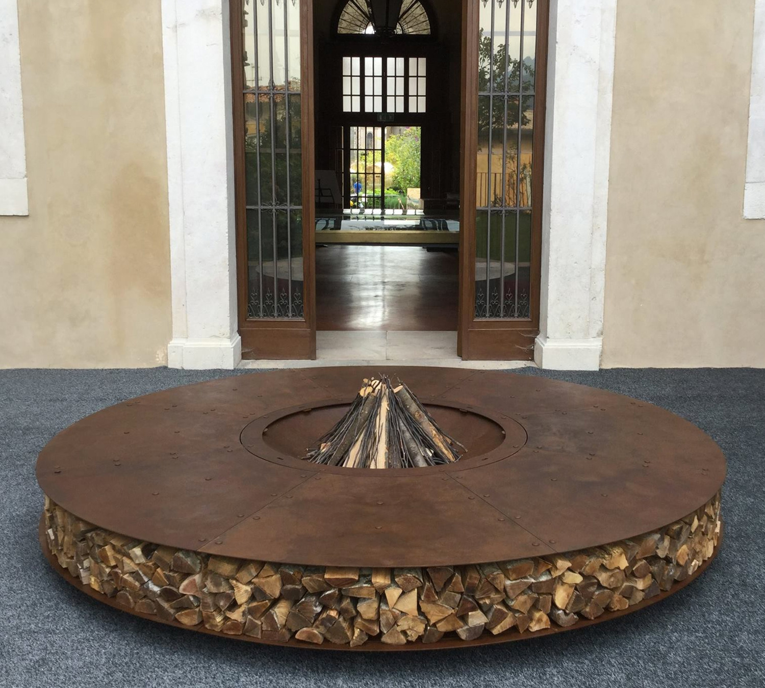 Giant outdoor rust finish steel fire pit 300 cm zero for Brasero de jardin