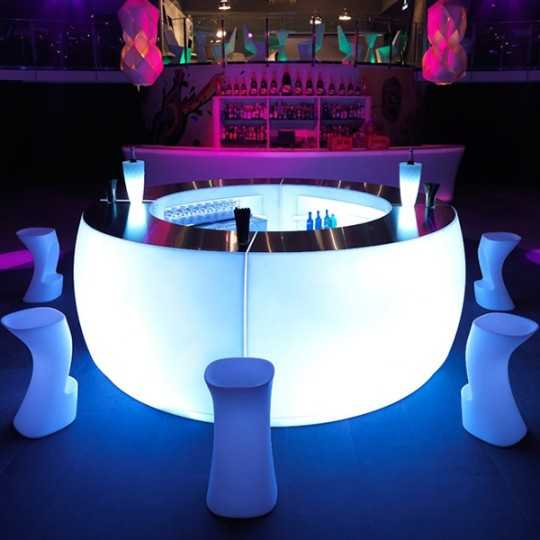 Beautiful Circle Bar internally lit created with 4 Fiesta Curved Bar modules. Stainless Steel Tabletop optional