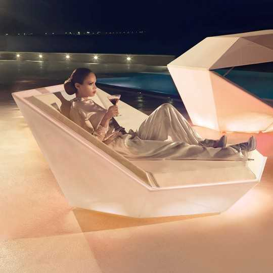 Faz Daybed with White LED Light by Vondom - Choose a high quality product for your Bar, Hotel, Restaurant