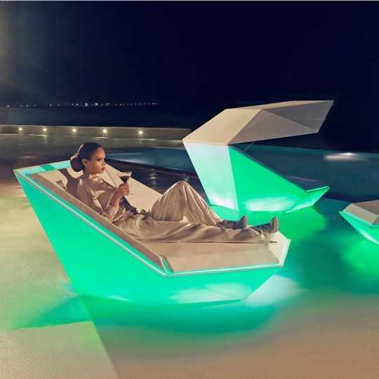 Green Lighting of the Faz Daybed by Vondom