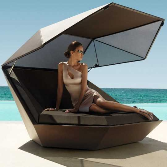Faz Daybed with Parasol by Vondom - Bronze Matt Sunbed