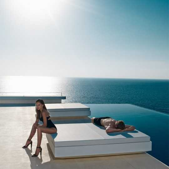 Vela Daybed 200 with Matt Finish by Vondom