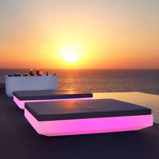 Light Up Vela Daybed 200 RGB with Multicolor LED Light by Vondom