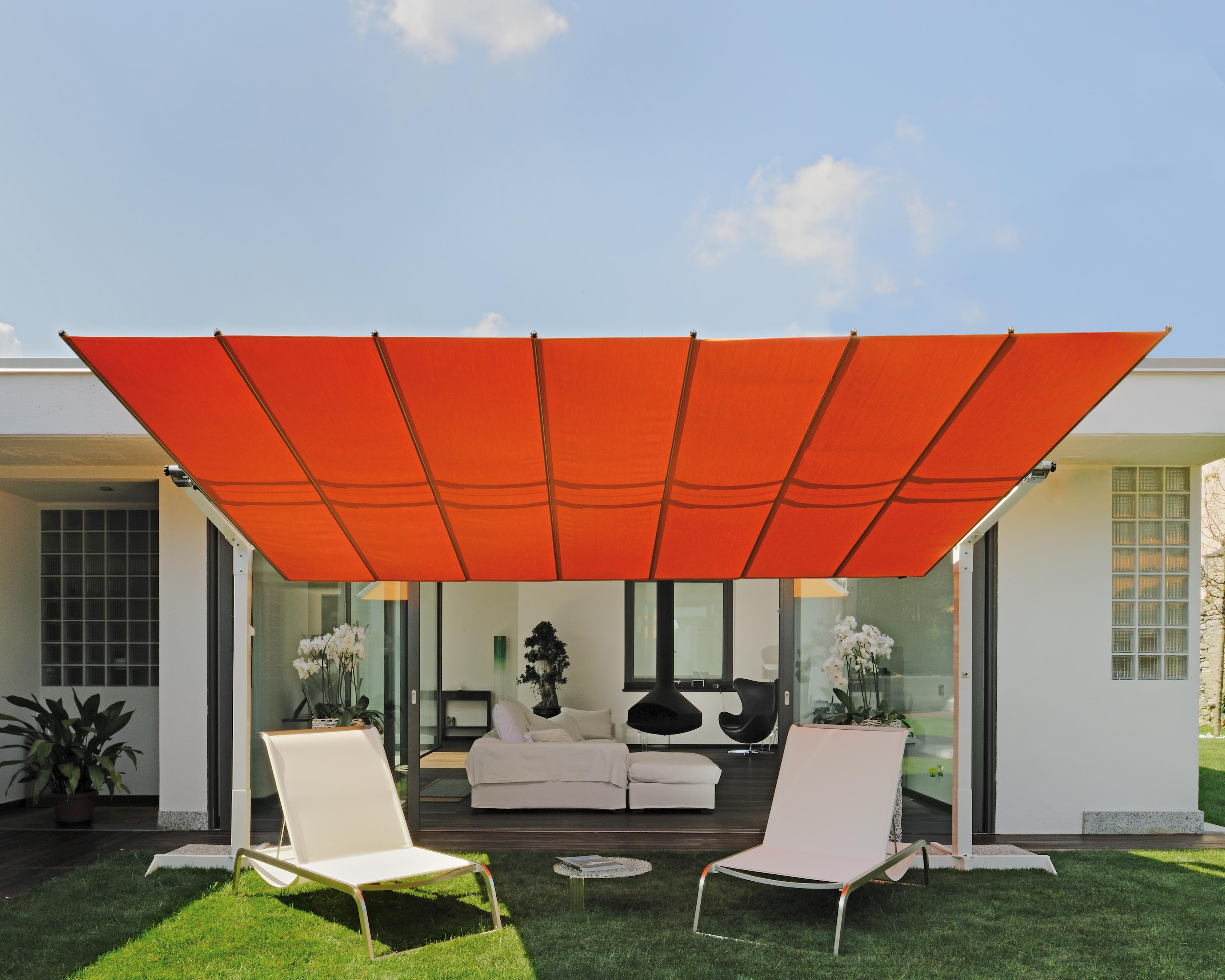 Flexy Freestanding Dual Post Shade System By Fim