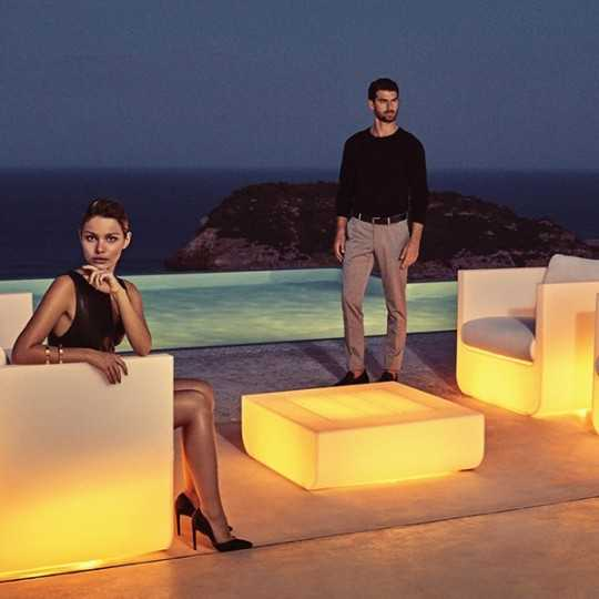 Outdoor ULM RGB Coffee Table and Sofa with Multicolor Led Light - Vondom