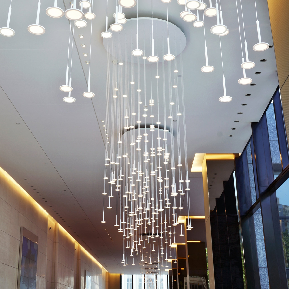 ... IRAIN 137 Shower of Light Pendant L& with 137 OLEDs by BlackBody & I.RAIN 137 Shower of Light Pendant Lamp with 137 OLED Lights azcodes.com