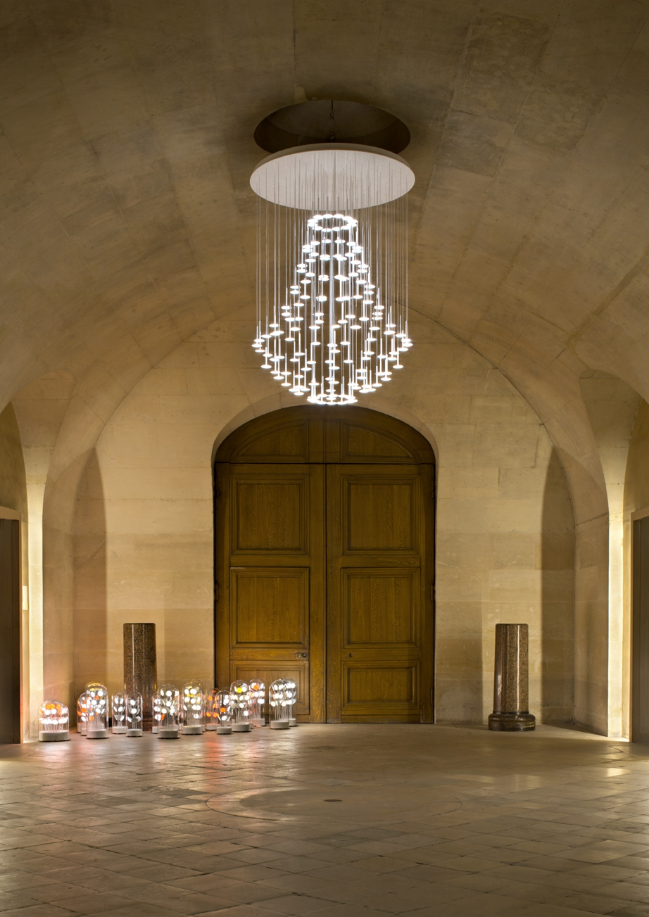 IRAIN Montgolfiere Pendant Light with Chandelier Shape and OLEDs
