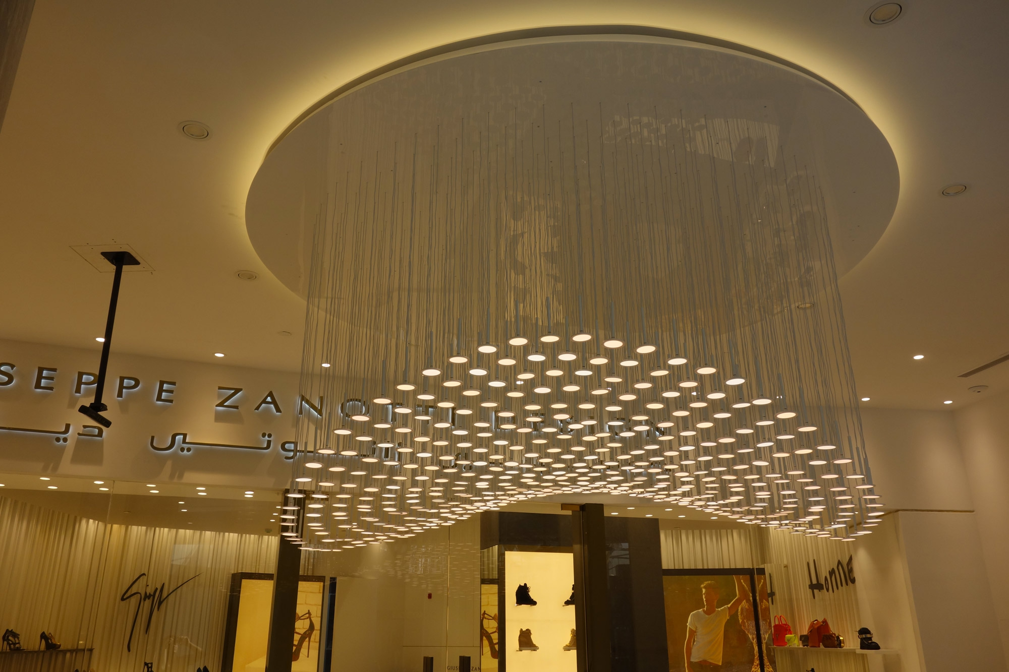 Irain Montgolfiere Pendant Light With Chandelier Shape And