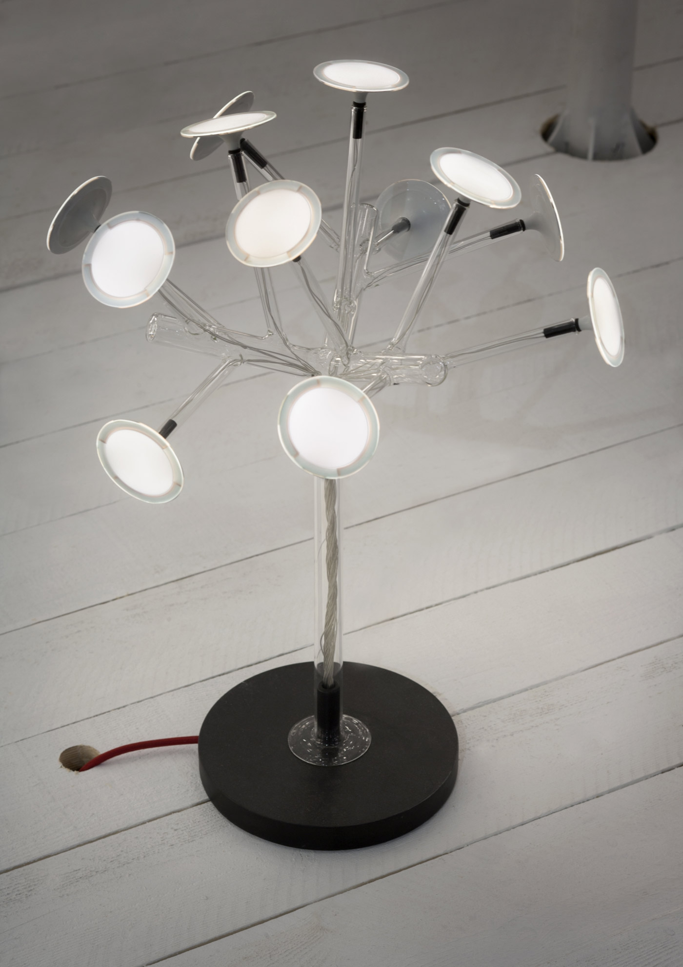 Bonsai Table Lamp With Blown Glass Structure And Oled Lights