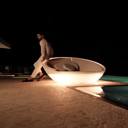ULM Daybed Luz - Round Outdoor Chaise Lounge with White LED Light - Vondom