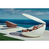 ULM Daybed with Parasol de Vondom Outdoor Deck and Terrace