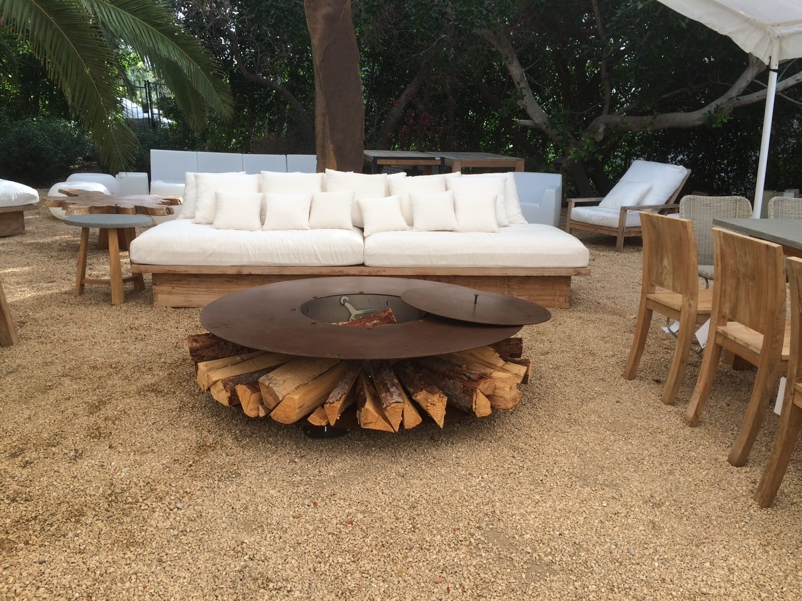 Outdoor corten steel fire pit 145 cm zero 145 by ak47 for Outdoor modern fire pit