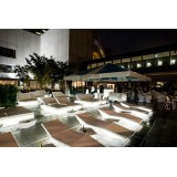 White Vela Daybed Square LED Light 4 folders Inclinables by Vondom at the Hotel poolside