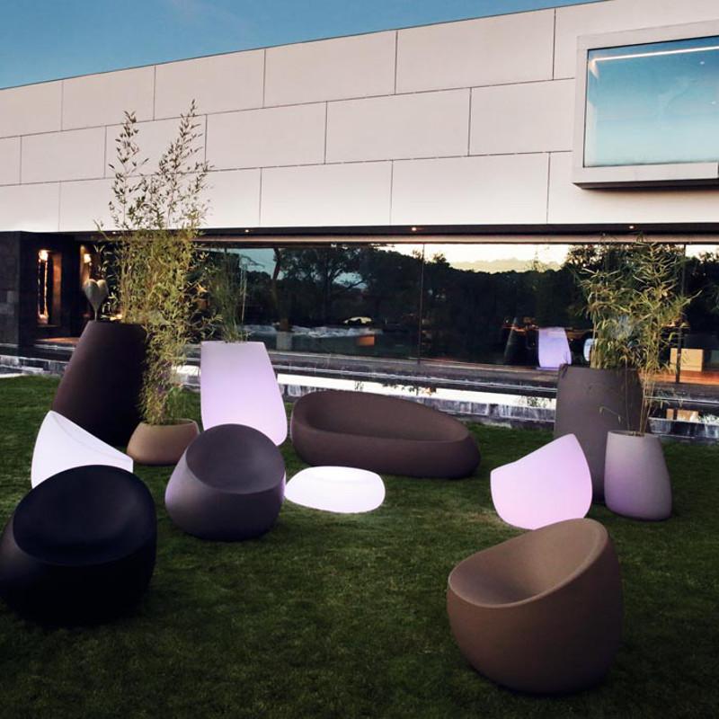 Présentation collection de mobilier design et lumineux Stone Vondom